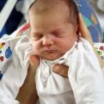 újszülött, baba alvás, éjszaka átalvása
