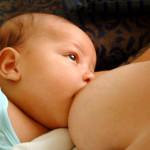 Szoptatás alatt másik baba?